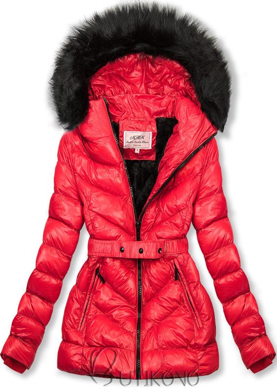 Červená zimná krátka bunda s čiernou kožušinou